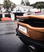 McLaren GT,McLaren GT不仅拥有传统GT跑车基本的驾驶舒适性与大容量储物空间,更提供比同级车款更轻量化、速度更快且更有乐趣的人车互动体验。McLaren GT车体以铝合金钣件搭配专属开发的Monocell II-T碳纤维单体底盘,打造出业内最轻的GT跑车,车重仅1,466公斤。搭载全新4.0升 V8双涡轮引擎,输出620匹马力,每吨405匹的马力重量比,0-100km/h加速3.