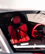 """Lamborghini Sesto Elemento,它是兰博基尼在2010年巴黎车展上推出的一款概念车型,其车型尺寸与Miura相仿。兰博基尼在Sesto Elemento上运用了大量的碳纤维科技,使这款性能极佳的跑车重量在2200磅(999Kg)以内。车型名称为意大利语""""第六元素"""",其产量非常的低,将不会超过20辆。因配置不同的原因,兰博基尼或将其价格定在190~250万欧元不等。而且全部已名"""