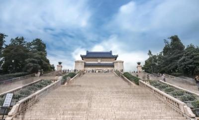 """【沉默在咆哮】中山陵有着极高的艺术价值,被誉为""""中国近代建筑史上第一陵"""""""