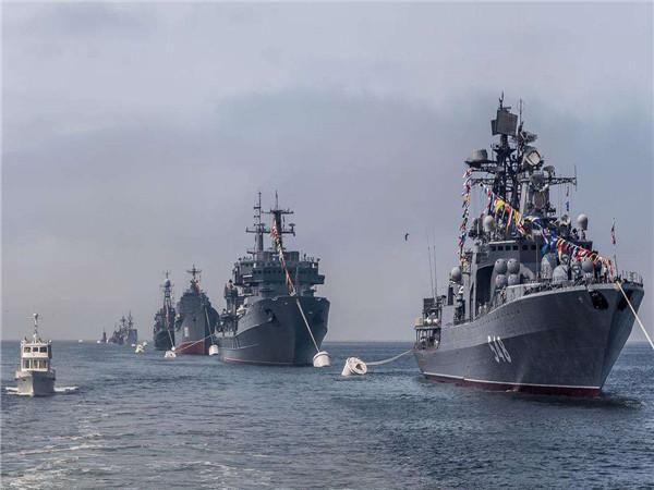 海峡爆发激烈对峙,西方发出严厉警告,再阻挡或将开火