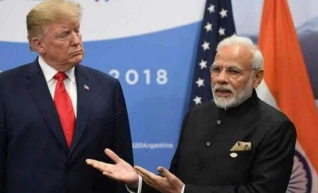 为迎接特朗普到来,印度11万人涌入体育场,世卫警告:病毒正蔓延