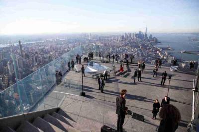 【污界萌仙女】打卡纽约新地标!西半球最高户外观景台Edge开放