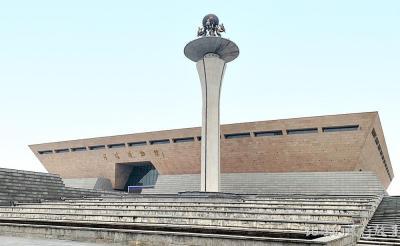 【夏日天浅蓝】河南第二大城市 做过十三朝古都 拥有6处世界遗产却仅为三线