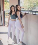 【别惹我我是男神】爱好运动的她拉着闺蜜一起健身,俩人还经常自拍比身材!