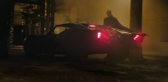 新版《蝙蝠侠》导演发布首批蝙蝠车高清照