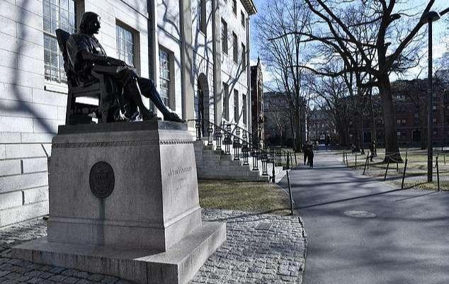 【軟萌少女范】美国疫情太严重!哈佛大学宣布改为网课教学,众多名校纷纷停课