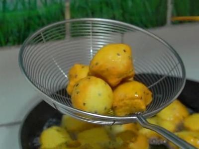 【鹿眼少男】1碗面粉6个鸡蛋,教你秘制新吃法,柔软又拉丝,孩子总是吃不够