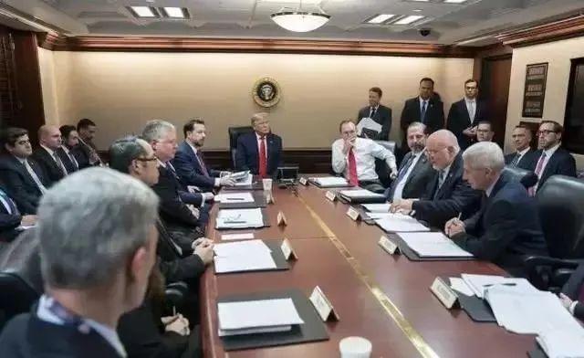 美国官员再曝猛料!白宫曾召开绝密病毒会议,内容与中国有关?