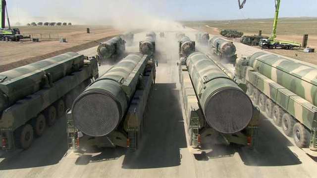 我国核弹头数远不如美俄多,为何美国不敢招惹?只因这2点