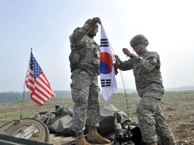 驻韩美军,驻意美军已乱成一锅粥!五角大楼急眼了:打电话求中国