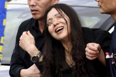 实锤了!黎女士是确诊后逃回北京,美国卫生部回应检测遭拒