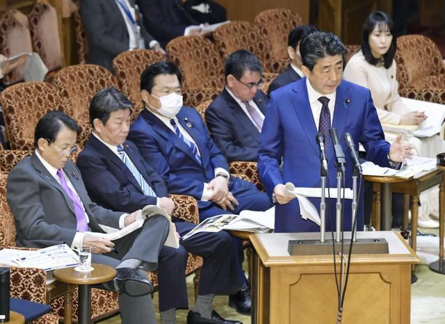东京奥运圣火传递启动后,日本拟延期举办奥运会