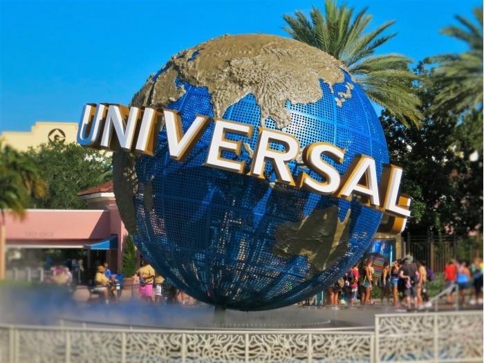 美国环球影城公司宣布继续关闭直至5月底