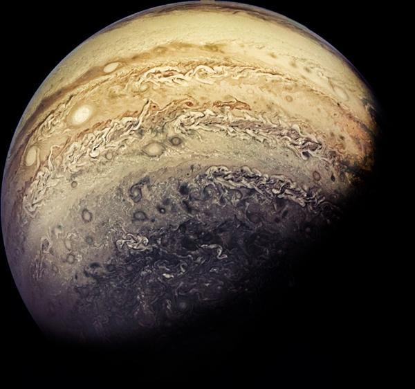 【籽萝卜蹲】NASA公布木星高清大图:宛如梵高世界名画