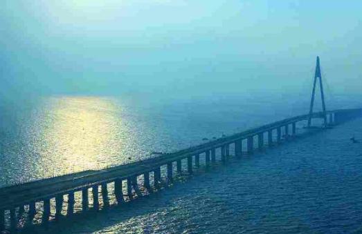 【带杀气的萝莉】3000亿大桥一夜之间倒塌,越南民众向中国索赔,真相到底如何?