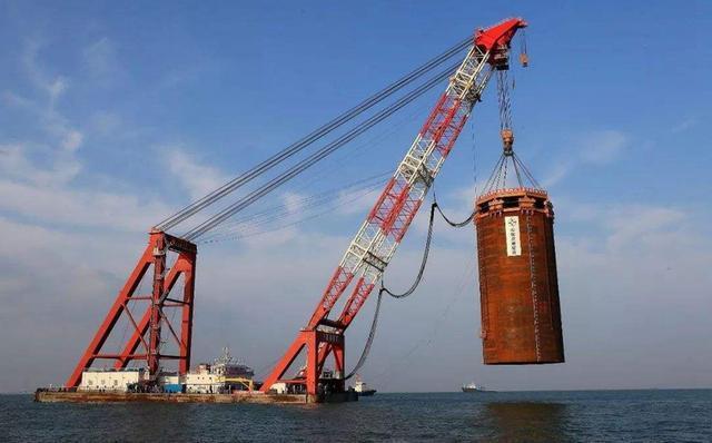 打通万里长江第一隧!中国江底建天险工程,千伏高压电贯穿南北
