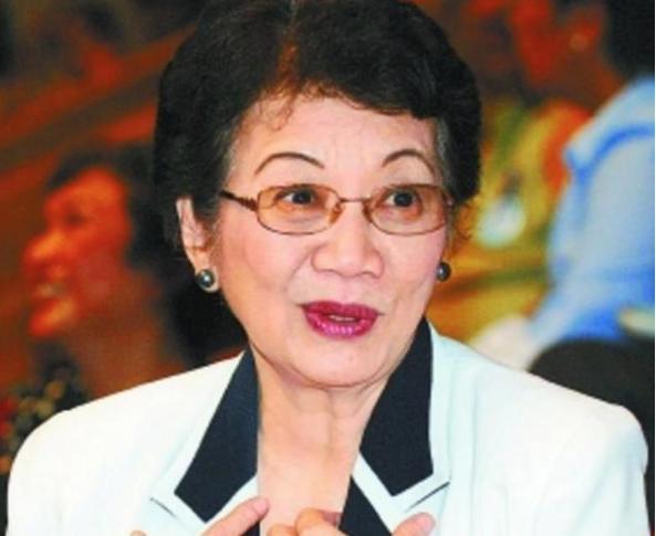 第一位华人女总统,上台就把美军赶出国,以国人身份为豪