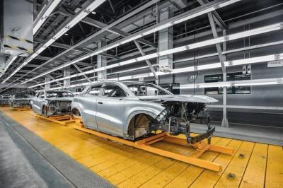 【有阳光还感觉冷】未来工厂该有的样子?长安开放UNI-T智能生产线参观