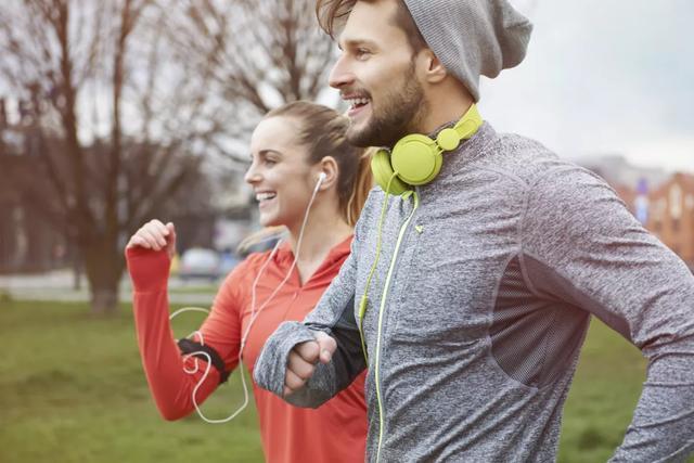 【海氹有点甜】怎样跑步最减肥?公认3种跑法,疯狂甩肉,让燃脂效果翻倍