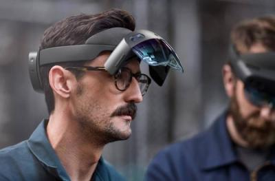 【予风复笙歌】微软Hololens 2 VR眼镜将推出:骁龙850加持