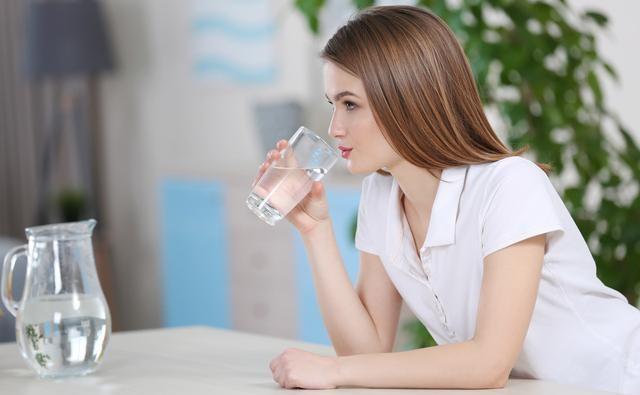 早起空腹喝水养生?如果不注意这3点,喝了也没用