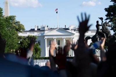【海上明月共潮生】种族问题根深蒂固、政治撕裂火上浇油…美国骚乱愈演愈烈,四大社会顽